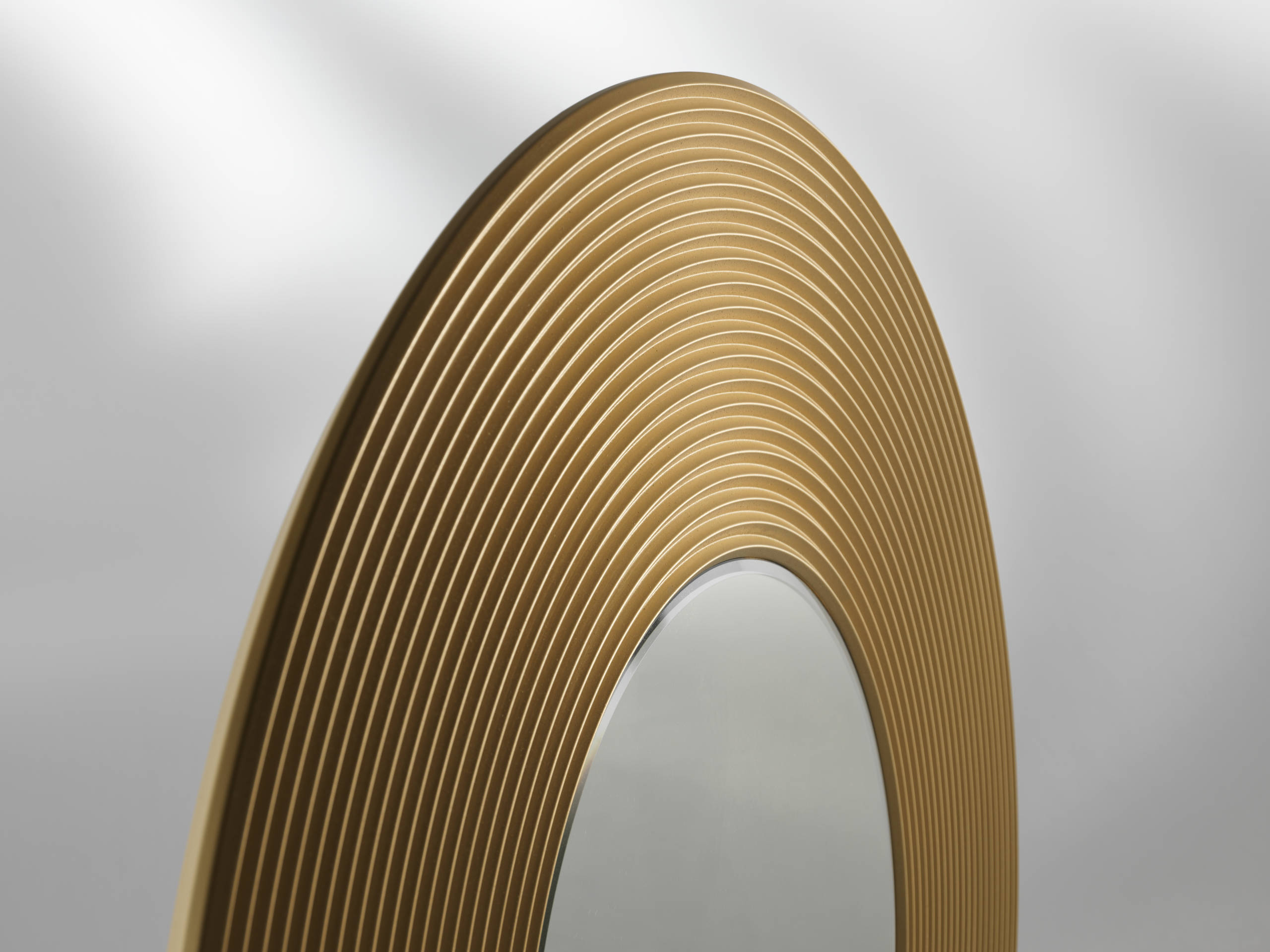 Albedo Design GONG_B - Mirror with circular frame of gold satin laquered wood